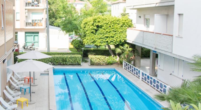 Hotel con piscina a pineto hotel saint tropez mare abruzzo - Hotel con piscina abruzzo ...